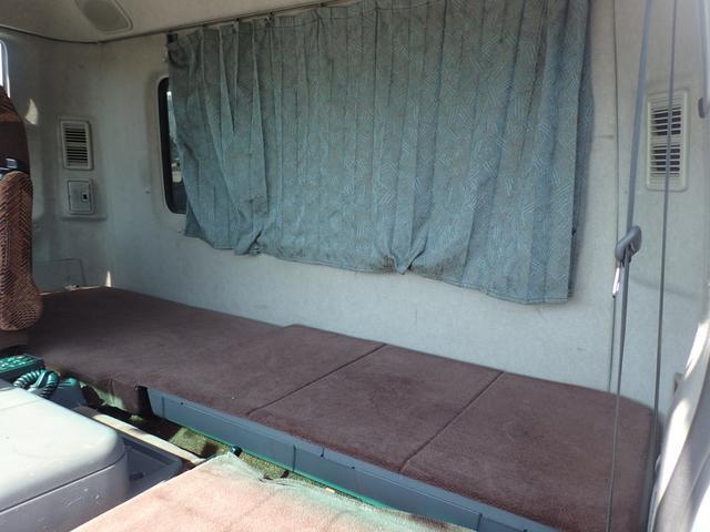 パネルバン 3t パワーゲート付き リアエアサス ベッド付き(14枚目)