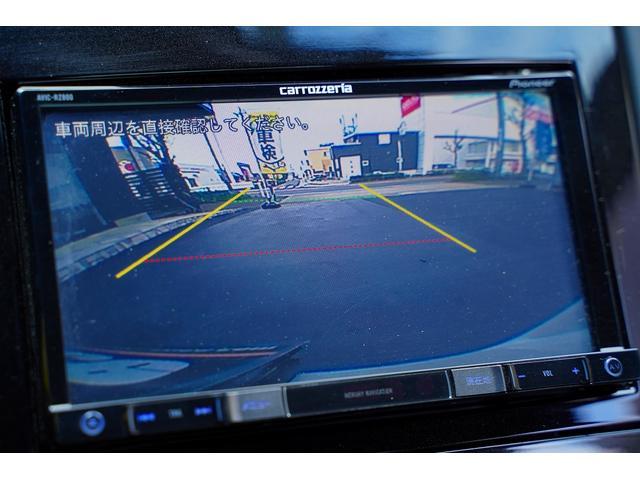 ベースグレード 6速ミッションターボ左ハンドルTVフルセグ地デジナビETCバックカメラ前後コーナーセンサーアクティブスポイラー禁煙灰皿未使用ヒルアシスト本革電動シートヒーター付HIDバイキセノンオートライト鑑定付(3枚目)