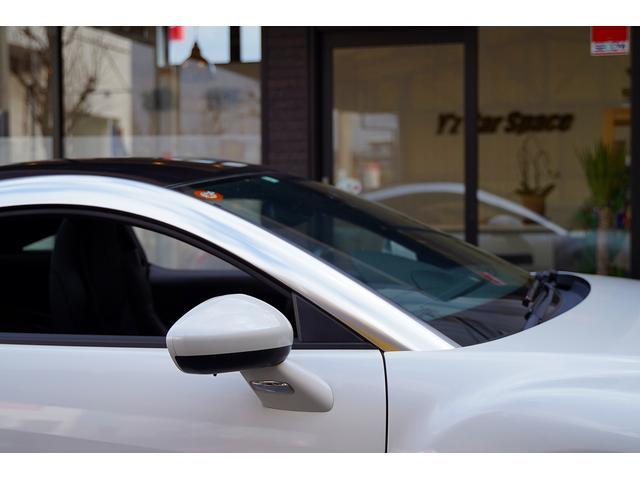 ベースグレード 6速ミッションターボ左ハンドルTVフルセグ地デジナビETCバックカメラ前後コーナーセンサーアクティブスポイラー禁煙灰皿未使用ヒルアシスト本革電動シートヒーター付HIDバイキセノンオートライト鑑定付(79枚目)
