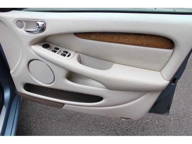 「ジャガー」「ジャガー Xタイプ」「セダン」「静岡県」の中古車18