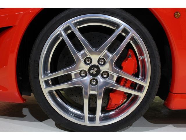 F1 正規D車 フルオプション ロッソスクーデリア カーボンブレーキ 赤革デイトナシート 純正ポリッシュアルミ(29枚目)