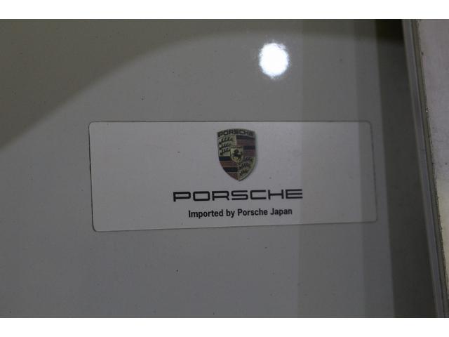 GTS 雨天未使用 スポーツクロノパッケージ アルミニウムパッケージ スポーツデザインステアリング スポーツエキゾーストシステム アルカンターラシート  ウィンカー 5ターンシグナル(37枚目)