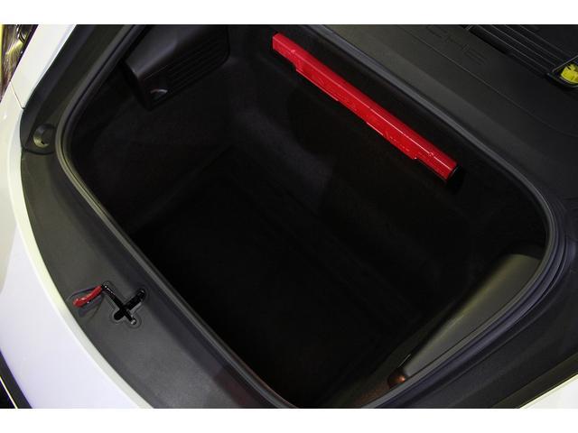 GTS 雨天未使用 スポーツクロノパッケージ アルミニウムパッケージ スポーツデザインステアリング スポーツエキゾーストシステム アルカンターラシート  ウィンカー 5ターンシグナル(46枚目)