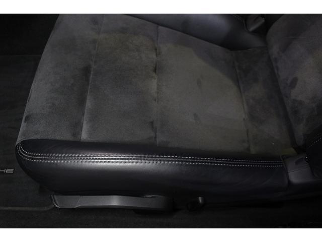 GTS 雨天未使用 スポーツクロノパッケージ アルミニウムパッケージ スポーツデザインステアリング スポーツエキゾーストシステム アルカンターラシート  ウィンカー 5ターンシグナル(53枚目)