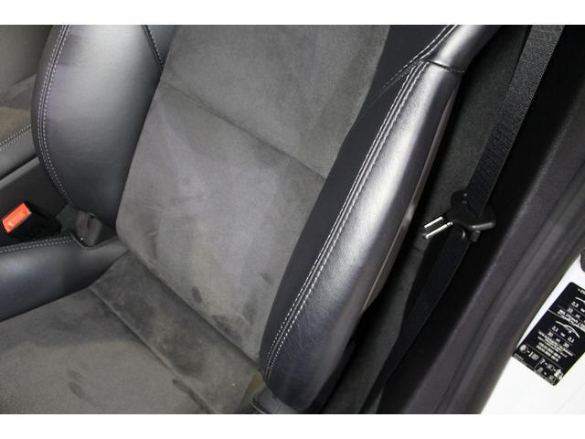 GTS 雨天未使用 スポーツクロノパッケージ アルミニウムパッケージ スポーツデザインステアリング スポーツエキゾーストシステム アルカンターラシート  ウィンカー 5ターンシグナル(54枚目)