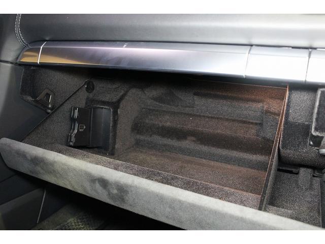 GTS 雨天未使用 スポーツクロノパッケージ アルミニウムパッケージ スポーツデザインステアリング スポーツエキゾーストシステム アルカンターラシート  ウィンカー 5ターンシグナル(65枚目)