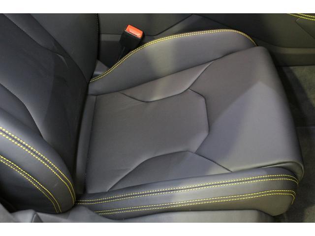 「ランボルギーニ」「ウルス」「SUV・クロカン」「愛知県」の中古車72