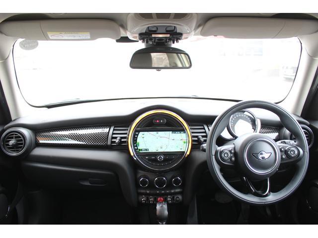 クーパーSD 後期型 LEDヘッドデイライト UJテール タッチパネル式ナビ バックカメラ コンフォートアクセス  MINIコントローラー ETC シートヒーター ディーラー車(8枚目)