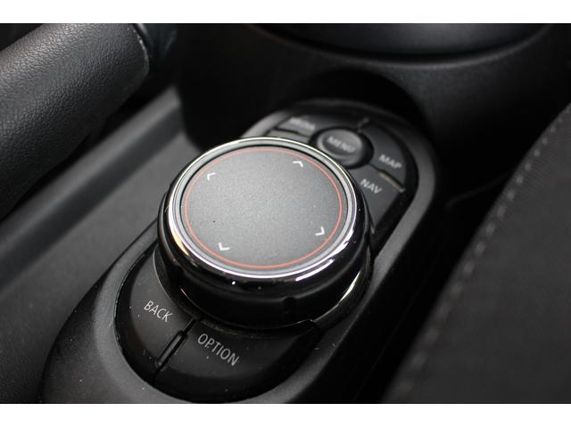 クーパーSD 後期型 LEDヘッドデイライト UJテール タッチパネル式ナビ バックカメラ コンフォートアクセス  MINIコントローラー ETC シートヒーター ディーラー車(15枚目)