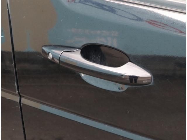 HDDナビエディション 新品ロクサーニアルミホイール 純正HDDナビ フルカラーバックビューモニター ETC車載器 三列シート オートライト オートエアコン ステアリングスイッチ キセノンヘッドライト(28枚目)