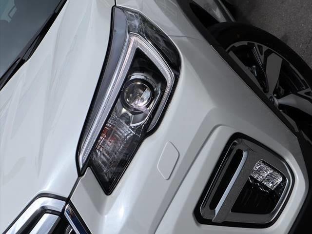 アドバンス 登録済未使用車 アイサイトバージョン3(プリクラッシュブレーキ、レーダークルーズコントロール、ブラインドスポットモニター等) スマートキー&プッシュスタート シートヒーター LEDヘッドライト(10枚目)