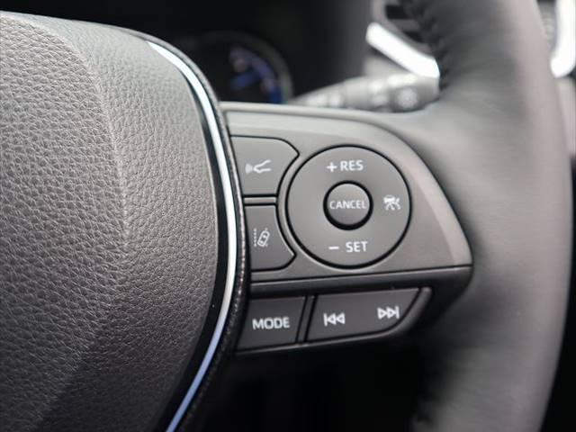 ハイブリッドG 新車未登録 サンルーフ トヨタセーフティセンス プリクラッシュブレーキ、レーダークルーズコントロール、レーンキープ等 LEDヘッドライト クリアランスソナー パワーシート シートヒーター スマホケース(9枚目)