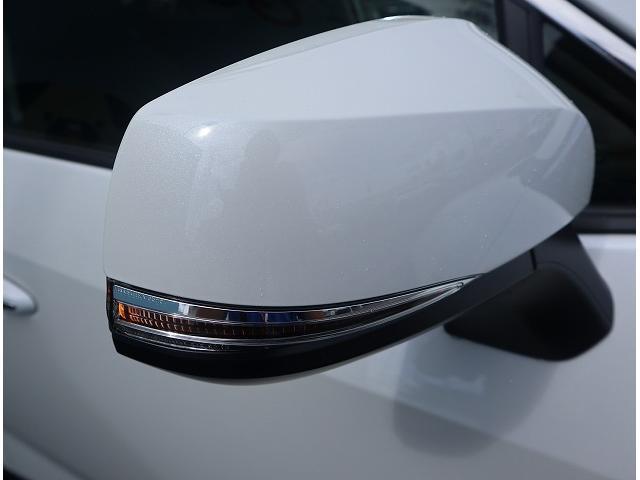 ハイブリッドG 新車未登録 サンルーフ トヨタセーフティセンス プリクラッシュブレーキ、レーダークルーズコントロール、レーンキープ等 LEDヘッドライト クリアランスソナー パワーシート シートヒーター スマホケース(26枚目)