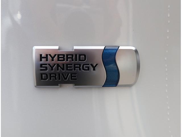 ハイブリッドG 新車未登録 サンルーフ トヨタセーフティセンス プリクラッシュブレーキ、レーダークルーズコントロール、レーンキープ等 LEDヘッドライト クリアランスソナー パワーシート シートヒーター スマホケース(34枚目)