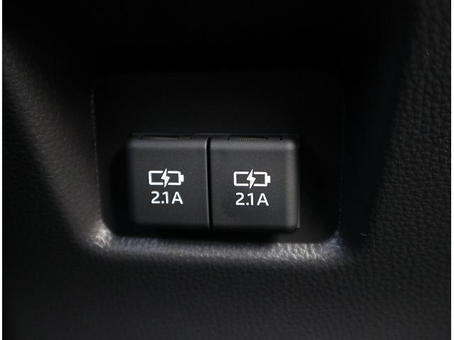 ハイブリッドG 新車未登録 サンルーフ トヨタセーフティセンス プリクラッシュブレーキ、レーダークルーズコントロール、レーンキープ等 LEDヘッドライト クリアランスソナー パワーシート シートヒーター スマホケース(37枚目)