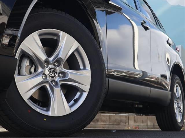 S 新車未登録 ディスプレイオーディオ セーフティセンス レーダークルーズコントロール クリアランスソナー LEDヘッドライト LEDフォグランプ 純正アルミホイール バックカメラ(19枚目)