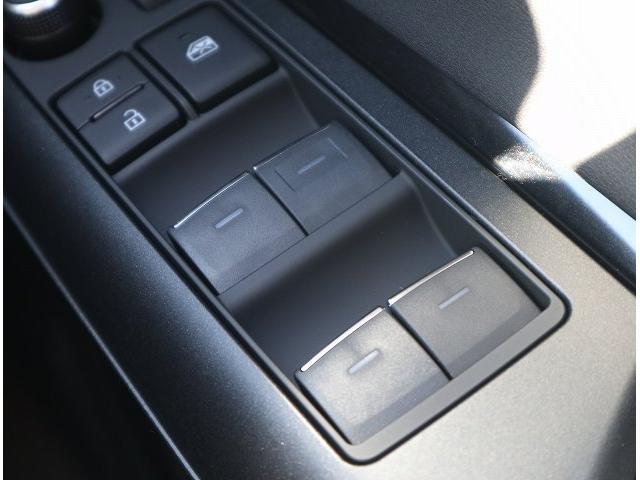 S 新車未登録 ディスプレイオーディオ セーフティセンス レーダークルーズコントロール クリアランスソナー LEDヘッドライト LEDフォグランプ 純正アルミホイール バックカメラ(30枚目)