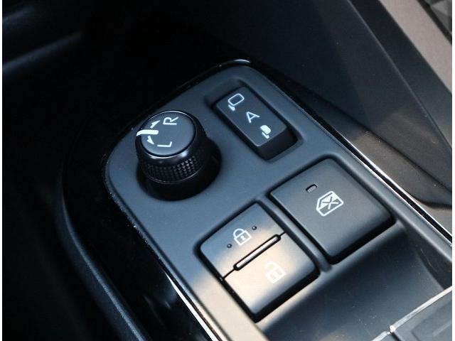 ハイブリッド G 衝突軽減装置 ディスプレイオーディオ LEDヘッドライト ナビ レーダークルーズコントロール フォグランプ 純正18インチAW USBポート オートマチックハイビーム ハーフレザー(31枚目)