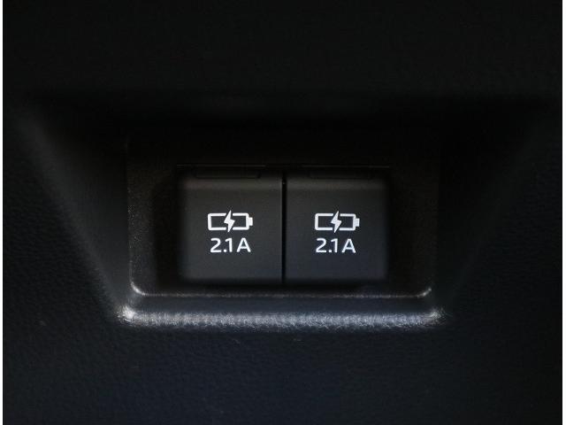 S ディスプレイオーディオ セーフティセンス LEDヘッドライト レーンキープ オートマチックハイビーム 純正17インチアルミホイール クリアランスソナー(11枚目)