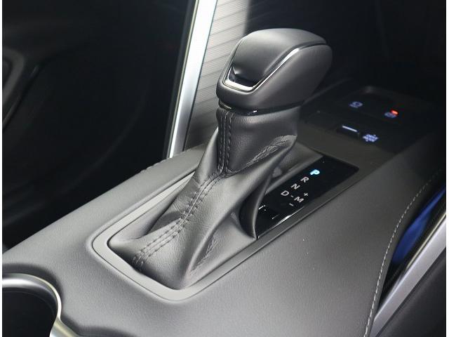 G レザーパッケージ 本革シート ディスプレイオーディオ LEDヘッド 衝突軽減 レーンキープ パワーバックドア レーダークルーズ パワーシート シートメモリー プッシュスタート 電動パーキング プリクラッシュセーフティ(31枚目)