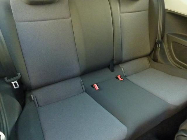 後部席シート