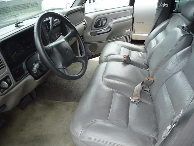 シボレー シボレー サバーバン 20インチAW グレー革ベンチシート 最終モデル1ナンバー