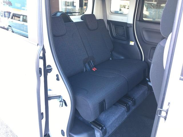 後席の足元に温風を送り込むリヤヒーターダクトも装備して、寒い日でも室内全体を暖かくキープします。