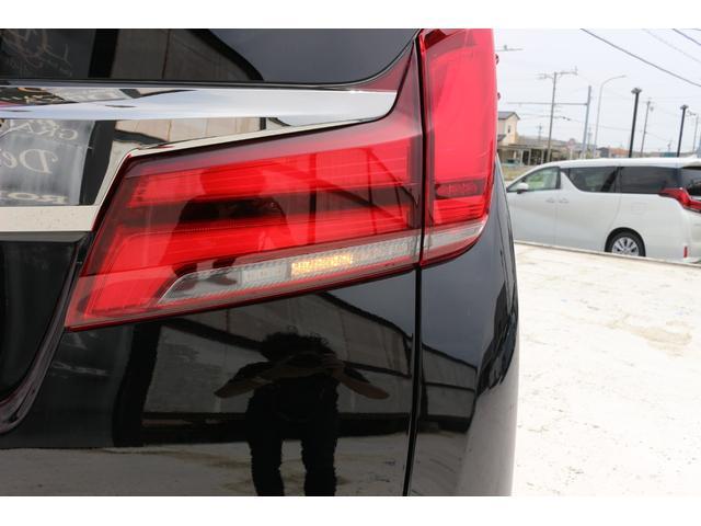 2.5S タイプゴールドII Wサンルーフ デジタルインナーミラー ブラインドスポットモニター AC100V電源 アルパインBIGXナビ対応 両側パワースライドドア パワーバックドア 衝突軽減ブレーキ 新車(12枚目)