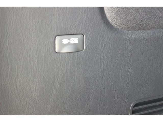 スーパーGL ダークプライムII AC100V電源 両側スライドドア ミュージックサーバー付きナビ地デジ ハーフレザーシート バックカメラ 小窓付き ディーゼルターボ 新車 6型(3枚目)