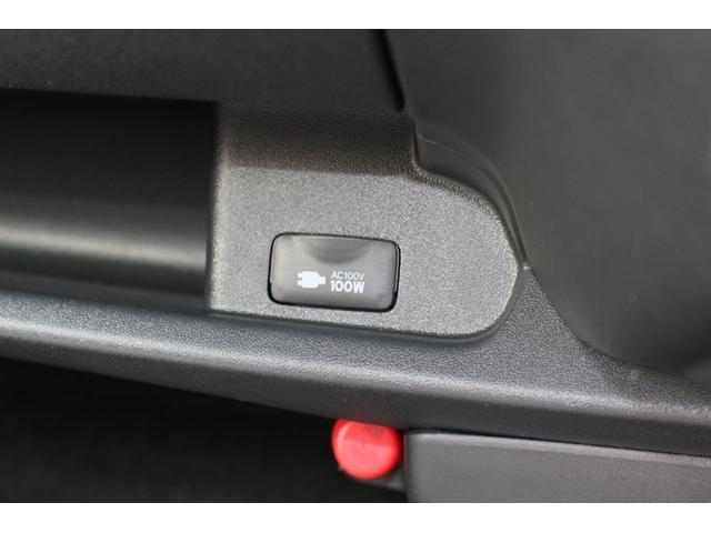 スーパーGL ダークプライムII AC100V電源 両側スライドドア ミュージックサーバー付きナビ地デジ ハーフレザーシート バックカメラ 小窓付き ディーゼルターボ 新車 6型(18枚目)