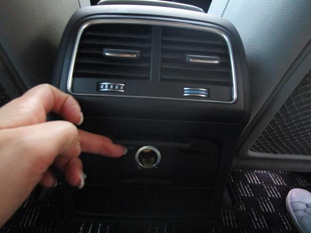 2.0TFSIクワトロ 2.0TFSIクワトロSE アウディ 紺 四駆 アウトドア ドライブ 快適 走りやすい 距離少なめ(35枚目)