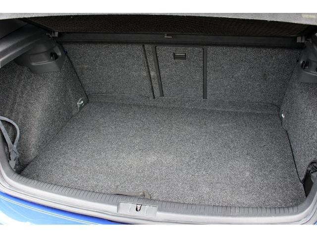 フォルクスワーゲン VW ゴルフ R32 オプション レカロシート