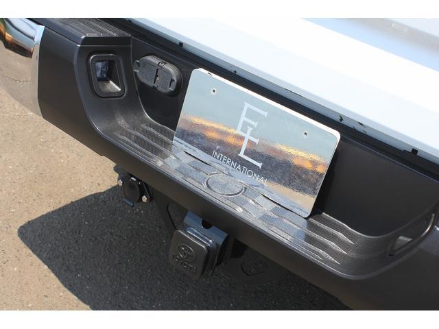 クルーマックスSR5 4WD TRDオフロードPKG新車並行(5枚目)