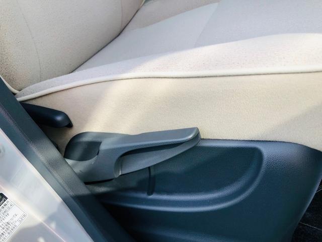 シートには運転席の高さが合わない方でも調整してお好きな高さに合わせていただける「シートリフター」が装備されています! 誰でも乗りこなして行けますよ!