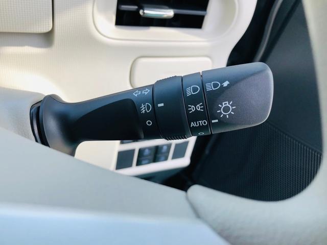 このお車にはオートライトシステムも標準装備しています! 暗くなってきたら車が自動でライトを点灯してくれます!