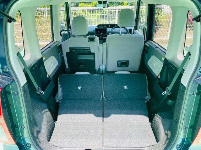 リヤのシートは後席ドアからもバックドアからでもレバーを操作するだけで、ワンモーションで簡単にシートを格納できます☆