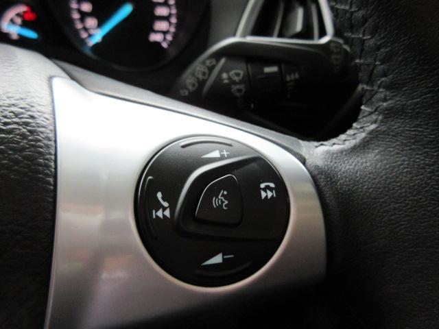フォード フォード クーガ タイタニアム 4WD