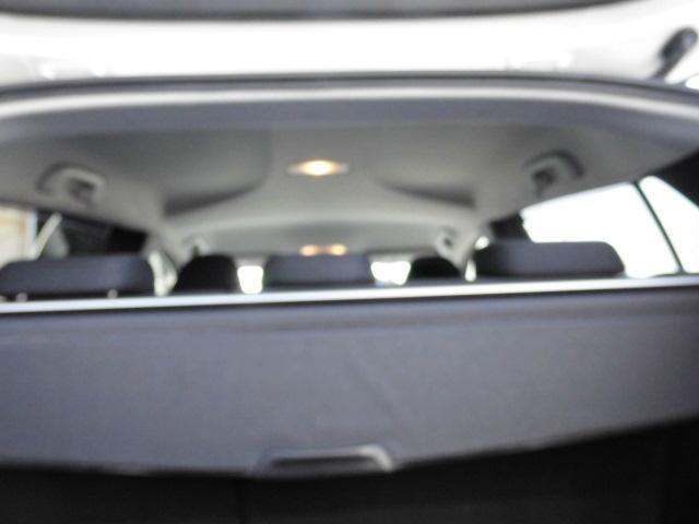 トヨタ プリウス Sワンオーナー車純正9インチSDナビwork18インチ