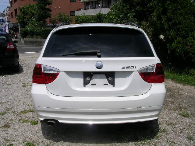 BMW BMW 320iツーリング 正規ディーラー車 HDDナビ HID