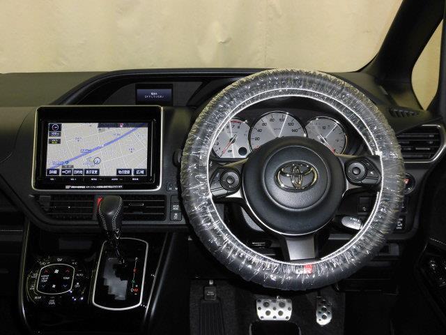 トヨタ ヴォクシー ZS GRスポーツ TSS装備