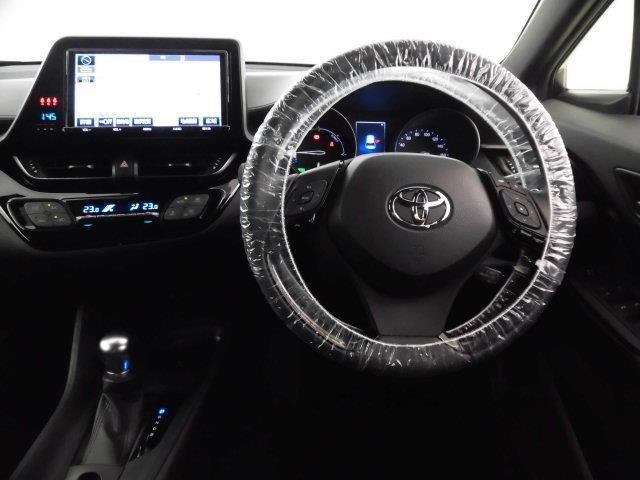 トヨタ C-HR S TSS装備 試乗車UP