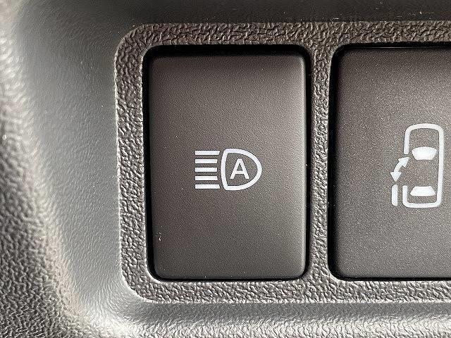 スーパーGL ダークプライムII 新車未登録 両側電動スライドドア デジタルインナーミラー マルチビューモニター LEDヘッド スマートキー プッシュスタート 助手席エアバック 100V電源 セーフティーセンス オートハイビーム(9枚目)