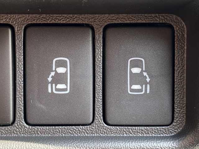 スーパーGL ダークプライムII 新車未登録 両側電動スライドドア マルチビューモニター デジタルインナーミラー クリアランスソナー スマートキー LEDヘッド 100V電源 助手席エアバック フォグランプ リアクーラー リアヒーター(7枚目)
