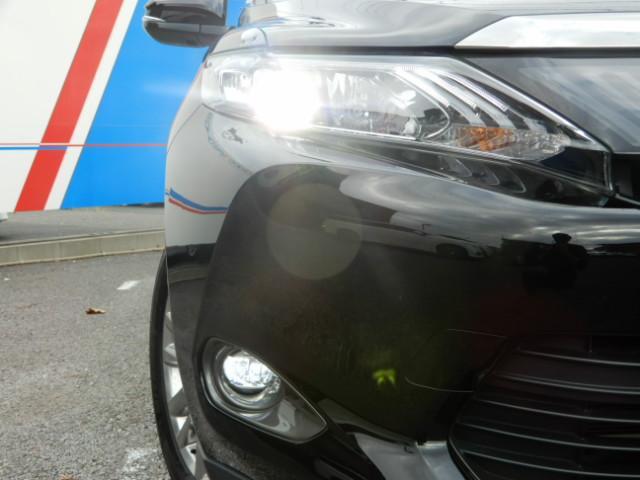 トヨタ ハリアーハイブリッド プレミアム メーカー8型SDTV JBL サンルーフ 黒革