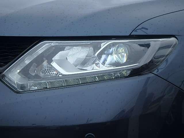 LEDヘッドライト:遠くまで明るく照らし、夜間の安全運転をサポートしてくれます。