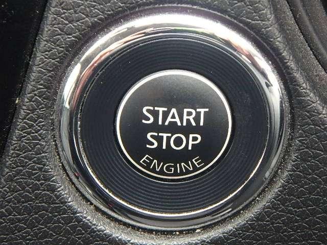 プッシュ式エンジンスターター:インテリキーが室内にあり、ブレーキを踏んだままボタンを押すことでエンジンがかかります。エンジンを切るときは、ボタンを押すだけできることが出来ます。