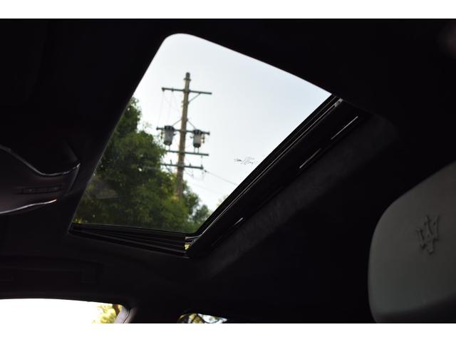 「マセラティ」「マセラティ クアトロポルテ」「セダン」「岐阜県」の中古車38