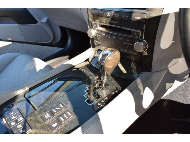 LS600hL エアサス4本交換済み リアエンターテイメント 白革シート HDD地デジフルセグ ロングボディー マークレビンソン 3面サンシェード(18枚目)