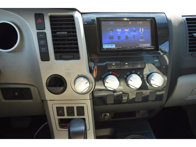 クルーマックス 2007年モデル リフトアップ 新品20インチタイヤホイール 新品ヘッドライト 新品テール 新品オーバーフェンダー 革シート 地デジナビ バイパーセキュリティ エンジンスターター(13枚目)