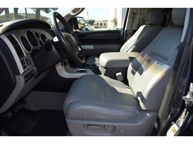 クルーマックス 2007年モデル リフトアップ 新品20インチタイヤホイール 新品ヘッドライト 新品テール 新品オーバーフェンダー 革シート 地デジナビ バイパーセキュリティ エンジンスターター(15枚目)